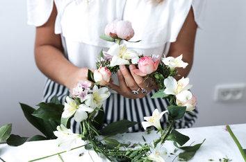 Sankthans - Vi har laget blomsterkranser til midtsommer